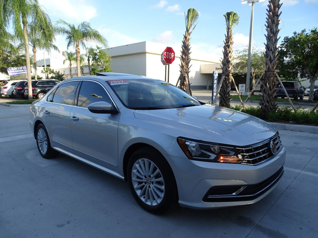 Certified Pre-Owned 2017 Volkswagen Passat SE with Automatic Transmission & Blind Spot Monitor