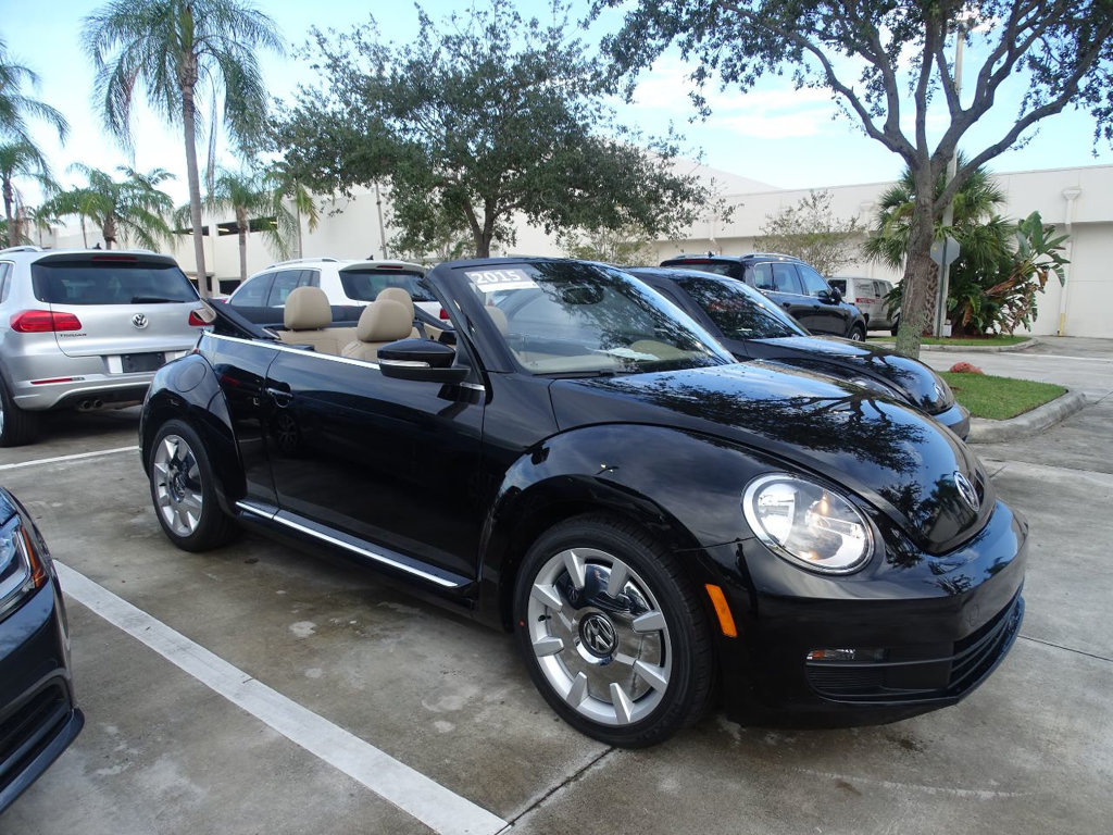 Certified Pre-Owned 2015 Volkswagen Beetle Convertible 1.8T with Sound & Navigation