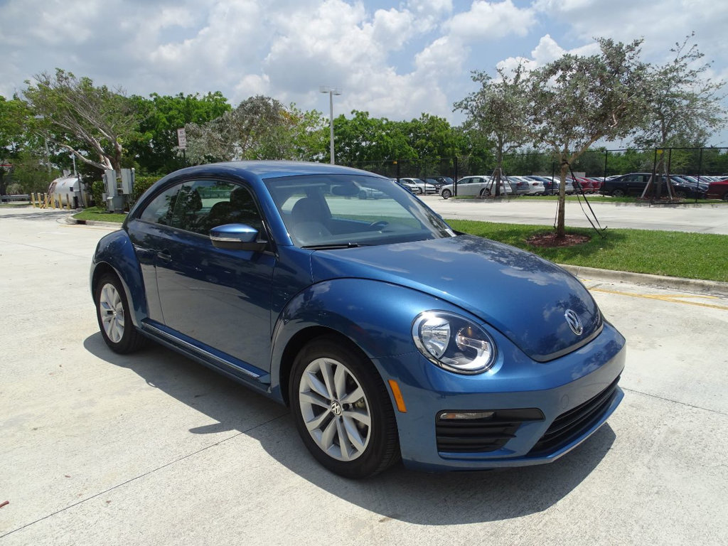 Certified Pre-Owned 2017 Volkswagen Beetle 1.8T Classic with Automatic Transmission