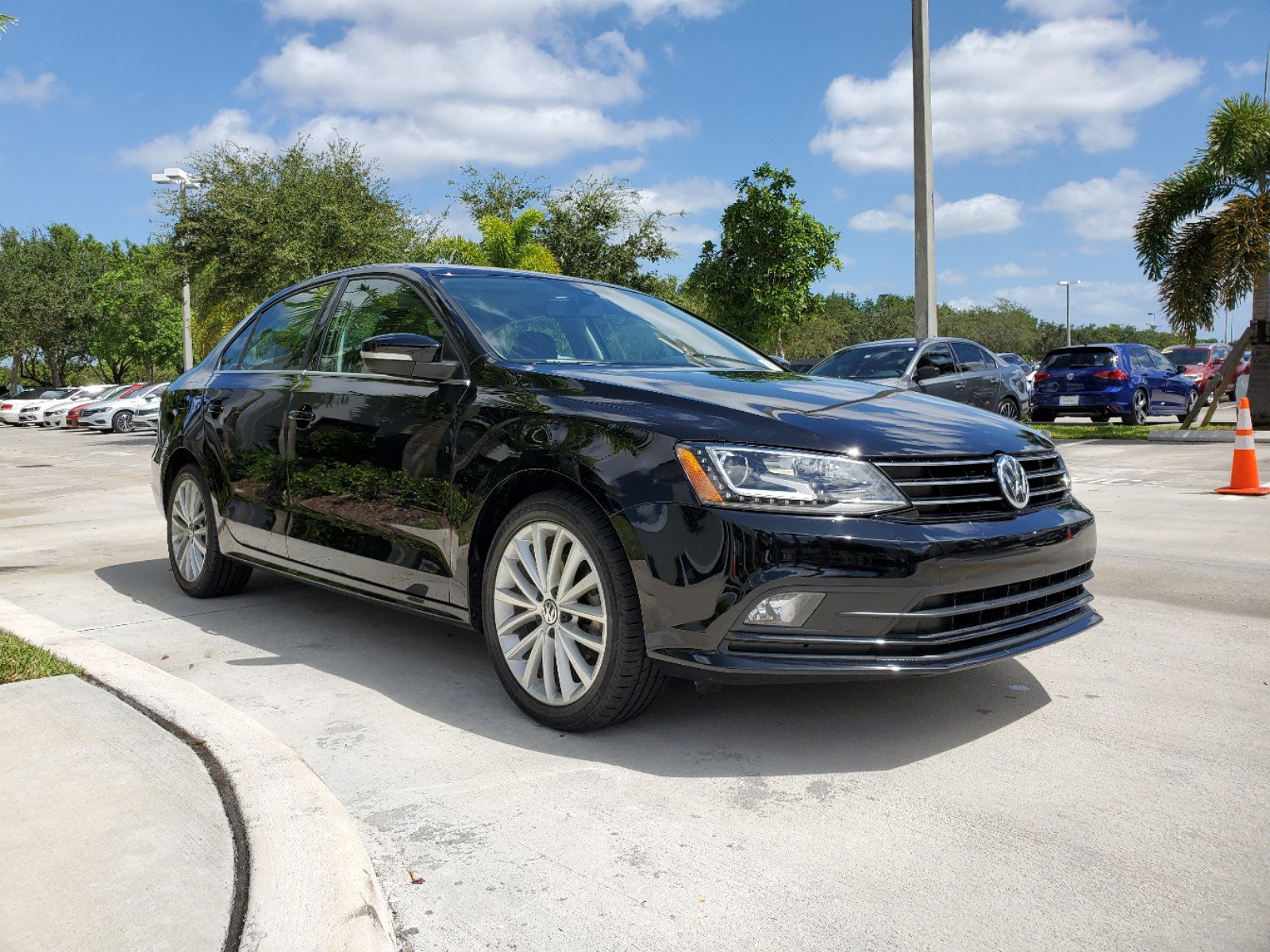 Certified Pre-Owned 2016 Volkswagen Jetta Sedan 1.8T SEL