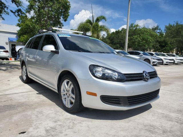 Certified Pre-Owned 2014 Volkswagen Jetta SportWagen TDI w/6 spd.Manual Trans.
