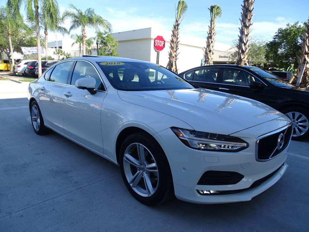 Pre-Owned 2018 Volvo S90 T5 AWD Momentum Plus with Convenience Package /
