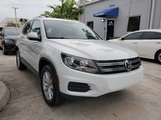 Pre-Owned 2017 Volkswagen Tiguan Wolfsburg Edition w/ Panoramic Sunroof