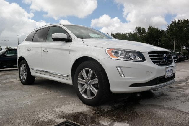 Pre-Owned 2016 Volvo XC60 T5 Premier AWD