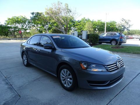 Certified Pre-Owned 2013 Volkswagen Passat S w/Appearance Package & Automatic Transmission