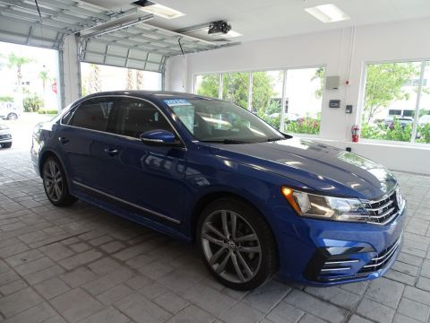 Certified Pre-Owned 2016 Volkswagen Passat R-Line with Comfort Package /