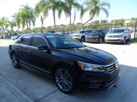 Certified Pre-Owned 2016 Volkswagen Passat R-Line with Comfort Pkg & Lighting Pkg