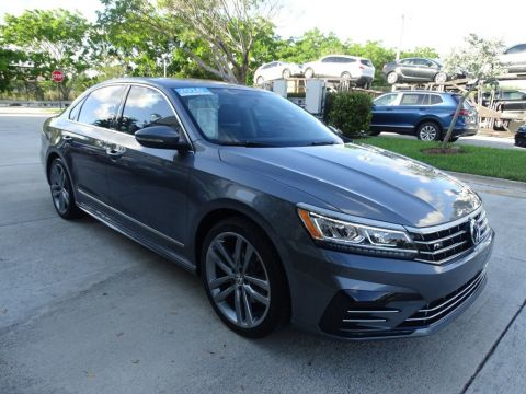 Certified Pre-Owned 2016 Volkswagen Passat R-Line with Comfort Package & Lighting Package