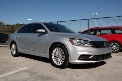 Certified Pre-Owned 2016 Volkswagen Passat SE with Automatic Transmission