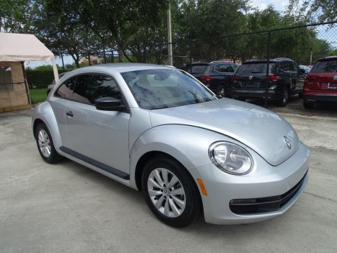 Pre-Owned 2016 Volkswagen Beetle Coupe S / 1.8T