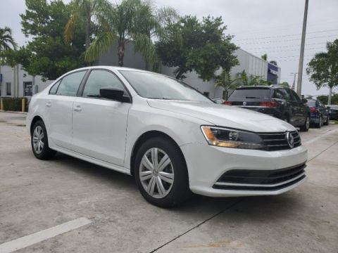 Certified Pre-Owned 2015 Volkswagen Jetta Sedan 2.0L TDI S with Low Miles