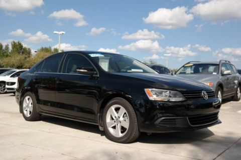 Certified Pre-Owned 2014 Volkswagen Jetta Sedan TDI with DSG Automatic Transmission