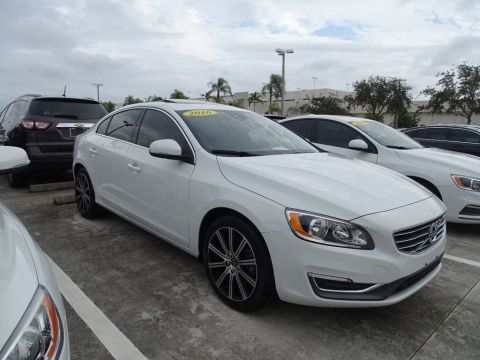 Pre-Owned 2016 Volvo S60 Inscription T5 FWD with Convenience & BLIS Packages