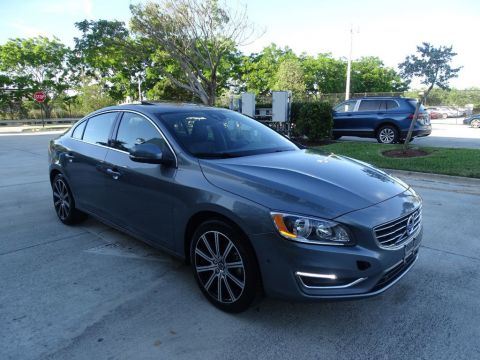 Pre-Owned 2018 Volvo S60 T5 AWD Inscription with Convenience Package & BLIS