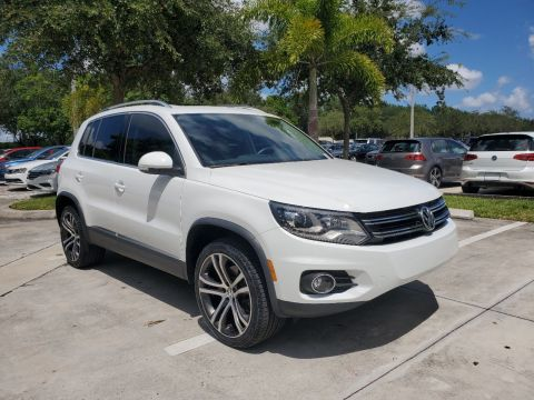 Certified Pre-Owned 2017 Volkswagen Tiguan SEL w/Navigation & Panoramic Sunroof