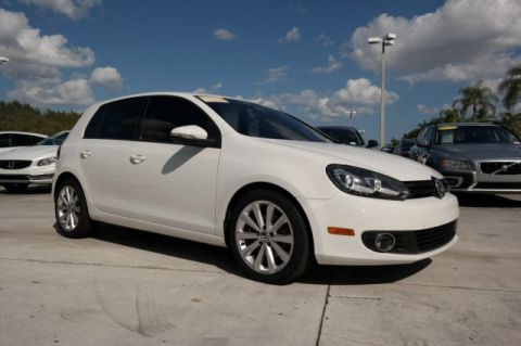 Certified Pre-Owned 2013 Volkswagen Golf TDI w/Sunroof & Navigation / DSG Automatic Trans. / 4 Doors /