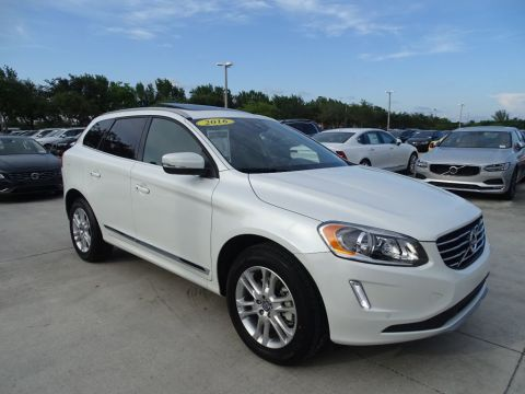 Pre-Owned 2016 Volvo XC60 T5 Premier with Convenience Package & BLIS Package