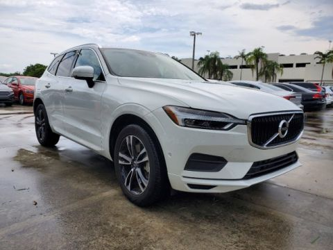Pre-Owned 2018 Volvo XC60 T6 Momentum AWD
