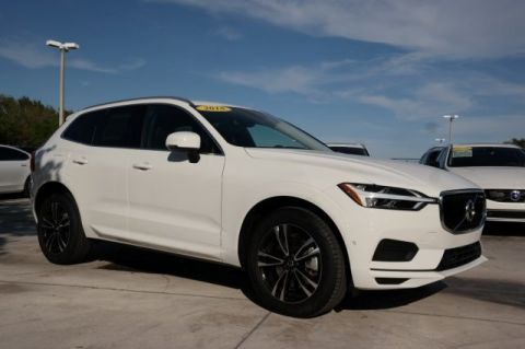 Pre-Owned 2018 Volvo XC60 T6 AWD Momentum with Vision Package /
