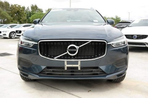 Pre-Owned 2018 Volvo XC60 T6 AWD Momentum with Vision Package